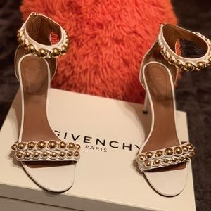 Givenchy Shoes - Givenchy Classic Leather Faux Pearl (white)